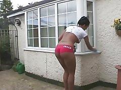 Städning i shorts