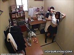 Kön butiksägaren jävla snatteri skolflickor