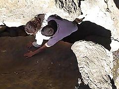 Tugas fångas i klipporna