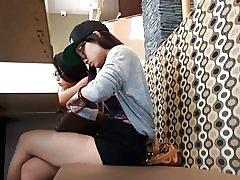 2 söta asiatiska tonåringar
