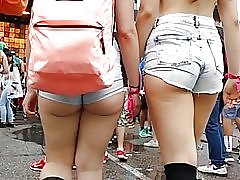 OMG saftiga varma vita röv kinder i shorts!