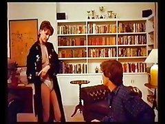 Sandra bernhard strip golf till topless.